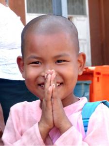 enfantnonne-birmanie